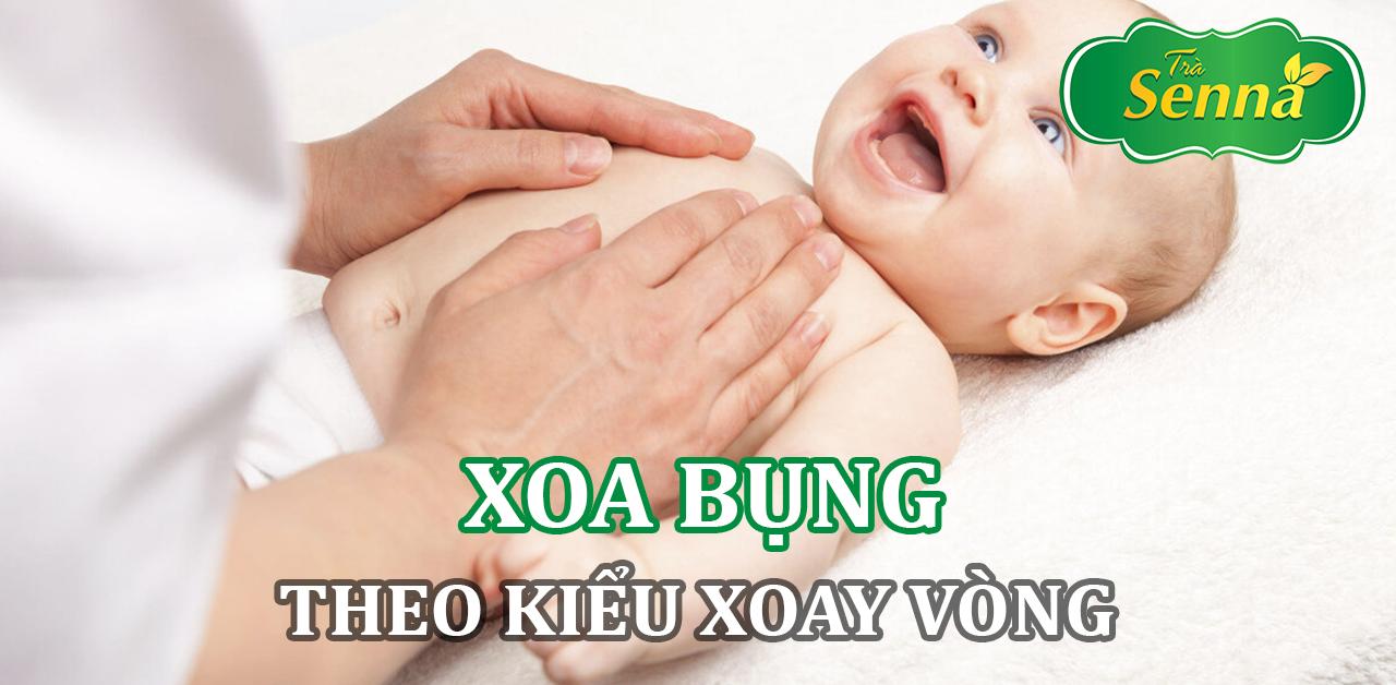 Xoa bụng kiểu quay vòng để chữa táo bón cho trẻ sơ sinh